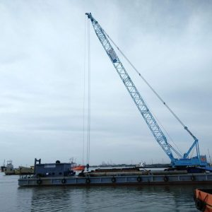 16.-Barge-and-crane-Hitachi-KH-1000-200-ton-2