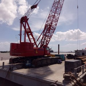 16.-Barge-and-crane-Hitachi-Sumitomo-SCX2500---250-ton-1