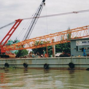 16.-Barge-and-crane-Sumitomo-SP-N300---300-ton-2